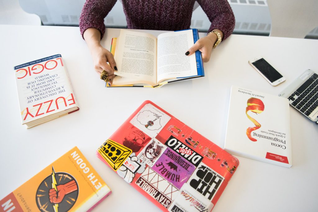 Student reading books